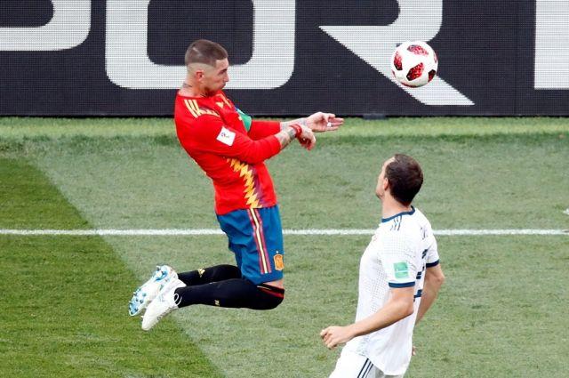 Тюменцы ликовали, один подстригся налысо: Россия победила на футболе