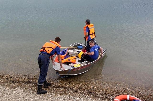 НаСтаврополье cотрудники экстренных служб извлекли изводоёмов тела 2-х парней