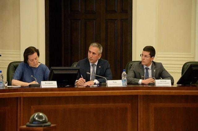 Дмитрий Артюхов принял участие в совещании полпреда с главами регионов УрФО