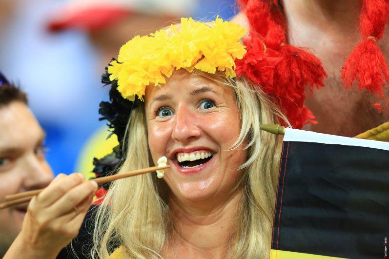 Болельщица сборной Бельгии.