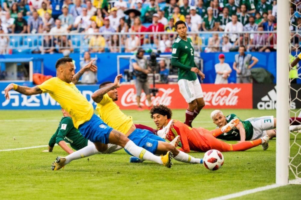 Гол Неймара, который на 51-й минуте вывел Бразилию вперед.
