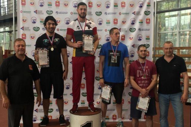 Ямальские борцы завоевали половину «золота» на чемпионате УрФО