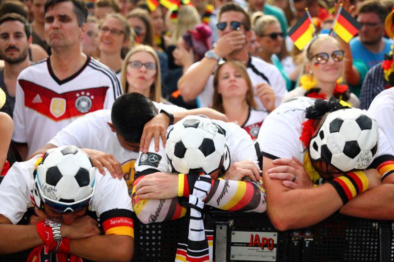 Немецкие болельщики после игры с Южной Кореей.