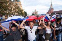 Столько эмоций, как после победы нашей сборной над испанской, Москва не видела, наверное, со времён полёта Гагарина. Хотя на этот раз мы не первыми в мире в космос слетали, а лишь в четвертьфинал футбольного чемпионата попали.