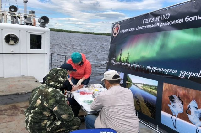 Мужевским рыбакам на катере измерили давление и взяли кровь «на сахар»