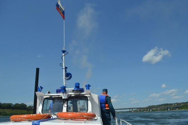 Основновную водную артерию Кузбасса спасатели регулярно патрулируют на катерах.