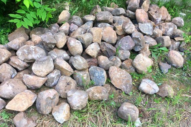 Камни из ярцевской мостовой.