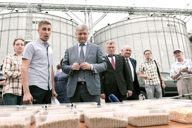 На Лискинском заводе комбикормов производят 12 видов кормов для птицы.