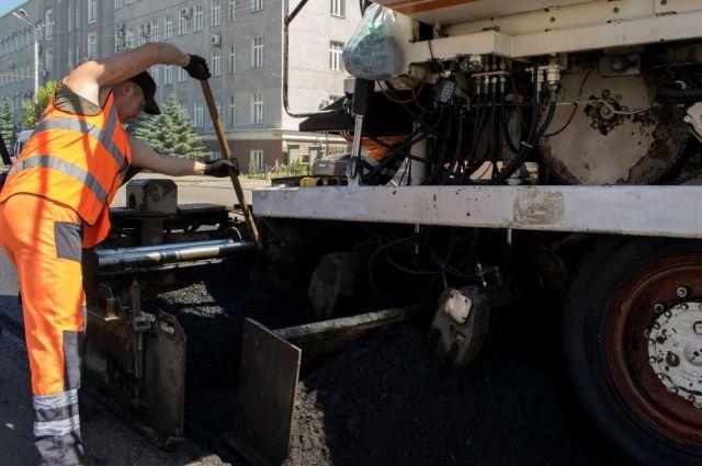 При ремонте дорог в Омске популярна технология термопрофилирования