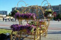 На площади 400-летия Тюмени появилась Карета Любви для молодоженов