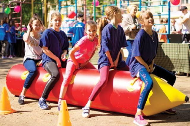 В Губкинском строят площадку для спорта и игр, которая подойдет для всех