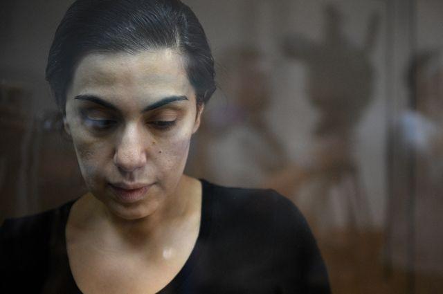 Карина Цуркан, подозреваемая в шпионаже в пользу Румынии, во время рассмотрения жалобы на арест в Московском городском суде.