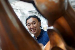 Даши Намдаков благодарен жителям Иркутска за то, что они поверили в него - первая выставка работ скульптора проходила в столице Приангарья в 2000 году.