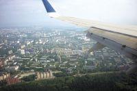 В самолёте находятся пассажиры, отправившиеся на отдых в Анталию.