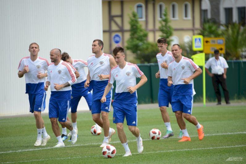 Александра Головин (на переднем плане) после чемпионата мира может оказаться в европейском топ-клубе.