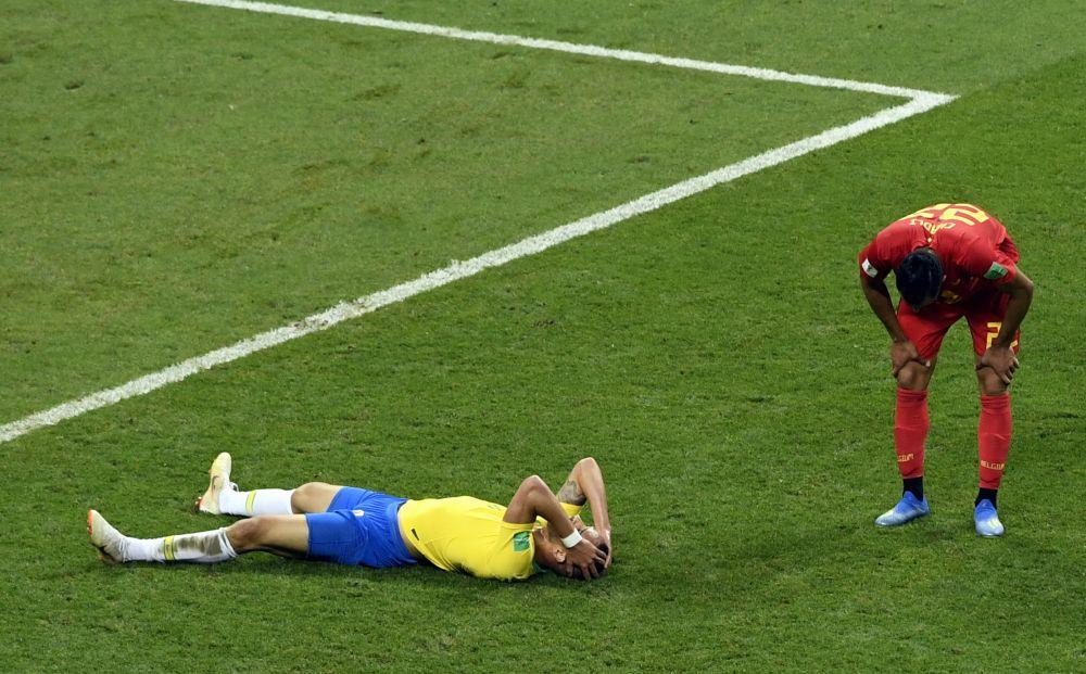 Насер Шадли устал, но его соперник раздавлен.