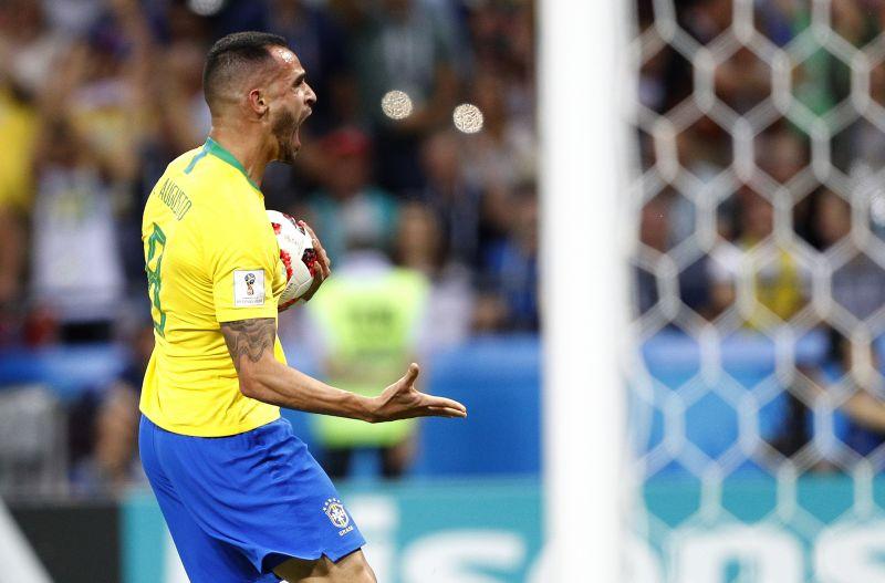 На 76-й минуте Аугусто наконец смог пробить оборону Бельгии. Но на большее бразильцев не хватило.