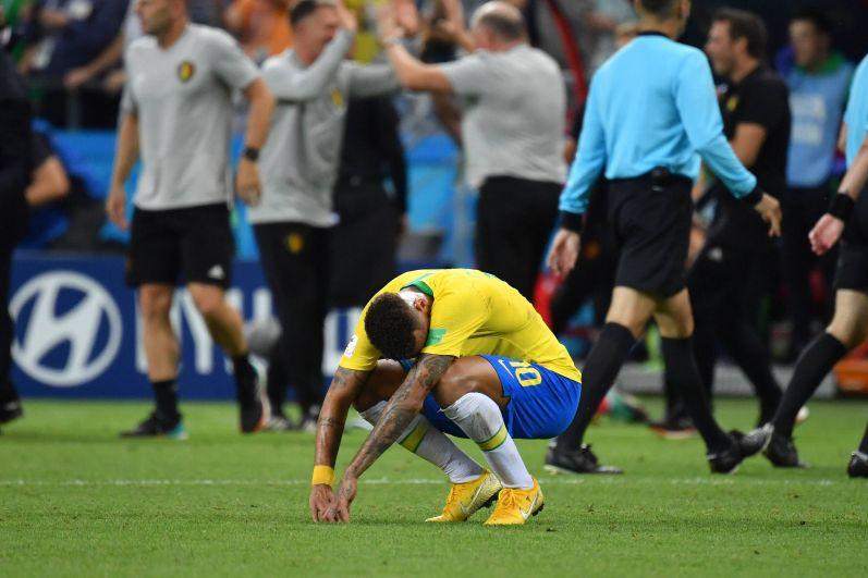 И вновь плачущий Неймар, который был главной надеждой сборной Бразилии.