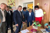 Александр Моор проверил качество ремонта в Армизонской школе