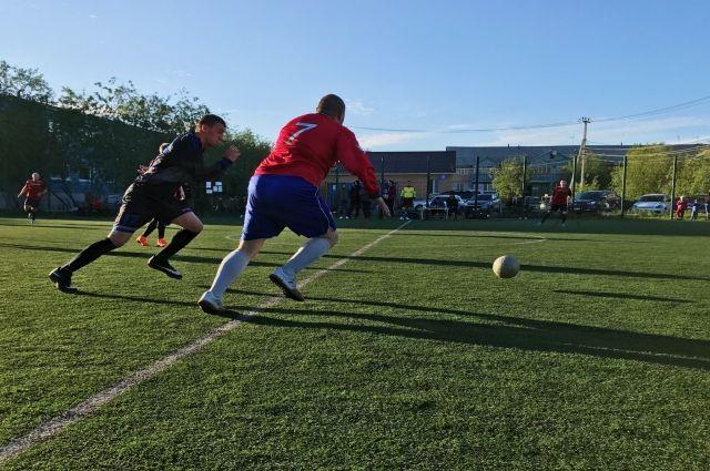 В Салехарде играют в футбол сборные Испании и Хорватии