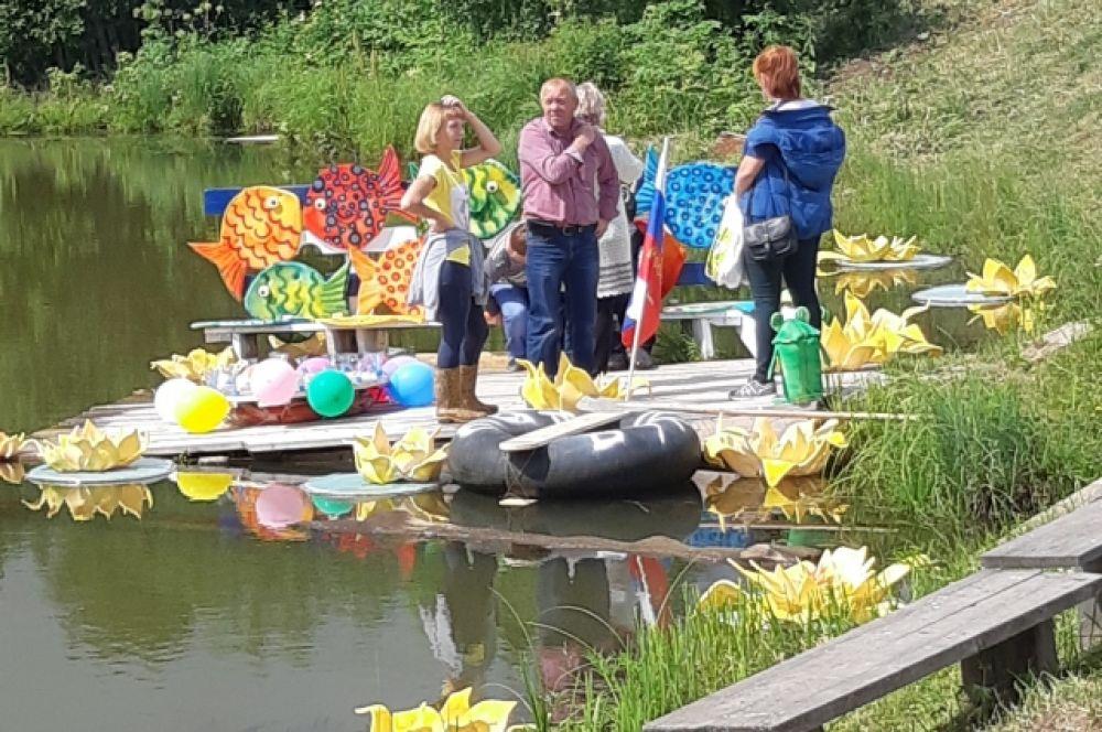 Для гостей праздника были подготовлены тематические фотозоны, где каждый мог почувствовать себя настоящим рыбаком!