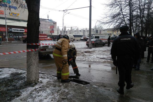 Следователи продолжают изучать обстоятельства тушения пожара в «Зимней вишне» и качество работы пожарных.