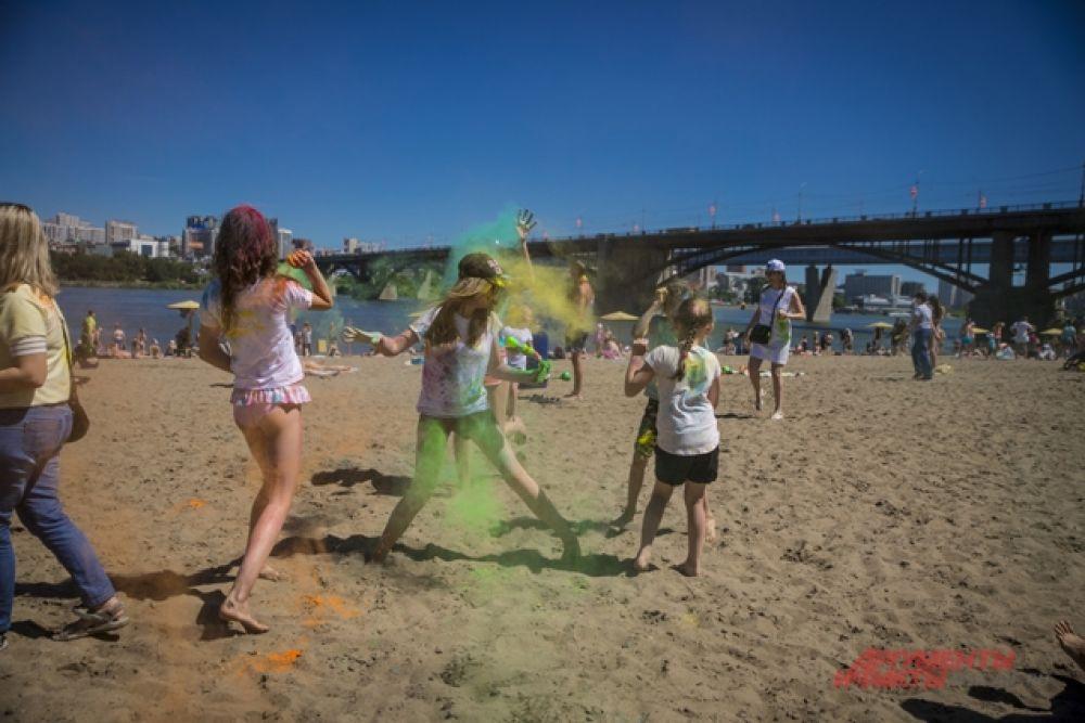 Отметить Иван Купала на пляже - удачная идея для лета.
