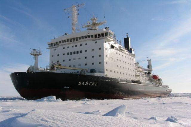 Ледокол «Вайгач» вернулся в Мурманск после работы в Сабетте
