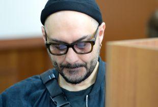 Суд отправил на пересмотр просьбу СКР ограничить Серебренникову срок ознакомления с делом