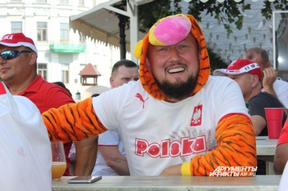 Польские фанаты накануне игры с Колумбией.