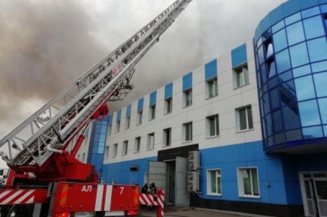 Жителям Второго Иркутска рекомендуют закрывать окна и не выходить из дома.