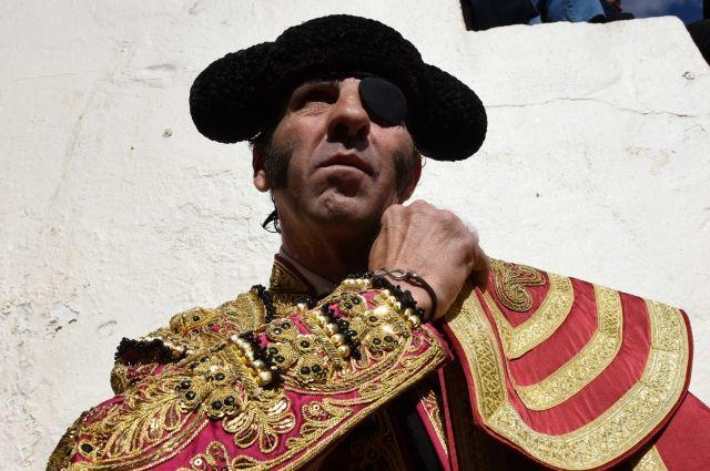 Бык снял скальп с известного испанского матадора - Real estate