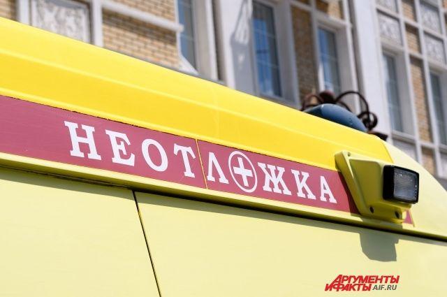 СМИ: в Оренбурге 7-летний мальчик упал с двухметрового обрыва.