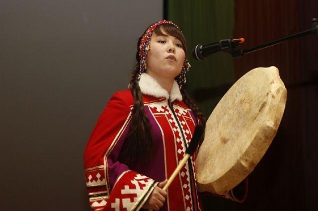 Ямальских мастериц приглашают на конкурс национального костюма