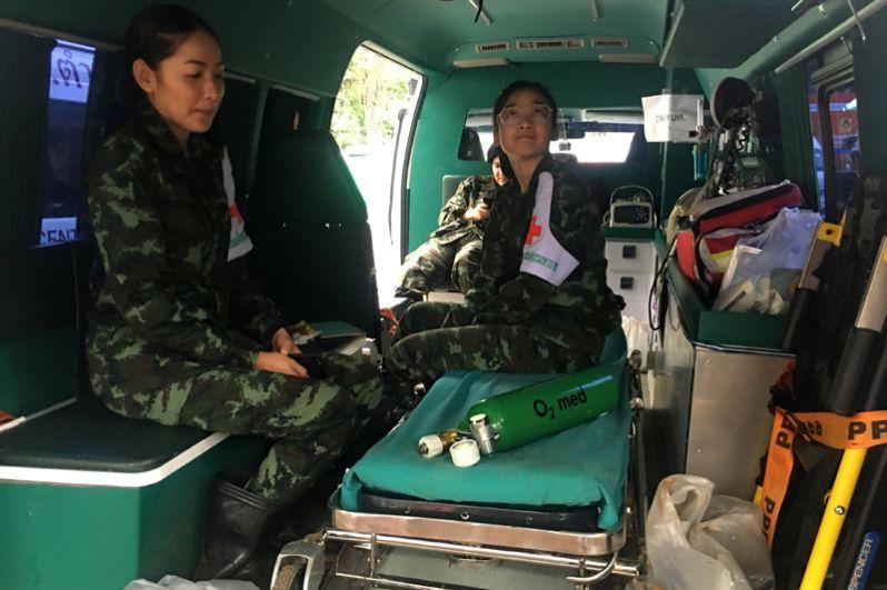 Медики в одной из девяти машин скорой помощи.