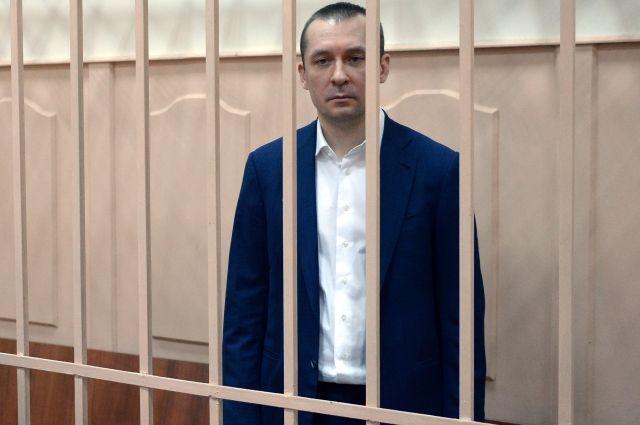 Полковник Захарченко пожаловался, что к нему не пускают врачей