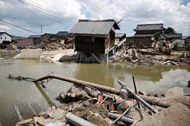В Японии число жертв наводнений превысило 150 человек