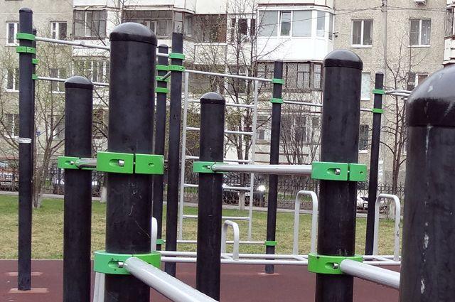 Заключенные кемеровской колонии занимаются производством оборудования для уличных спортивных площадок.