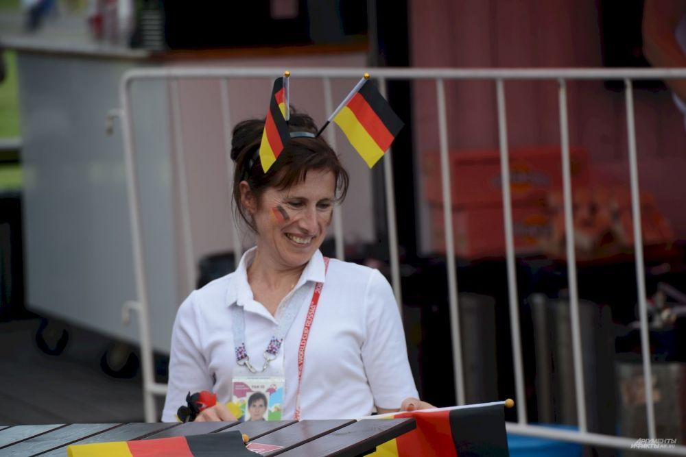 Флаги жительница Германии решила использовать, как рожки.