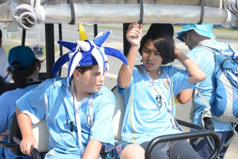 Юные уругвайцы делятся впечатлениями от игры сборных Уругвая и России.