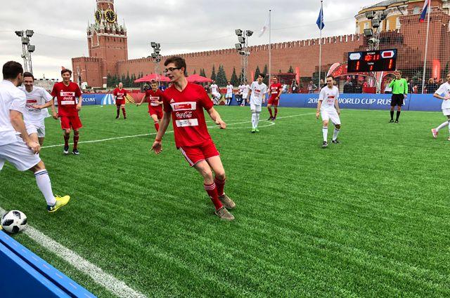НаКрасной площади провели провели инклюзивный матч для атлетов сособенностями развития