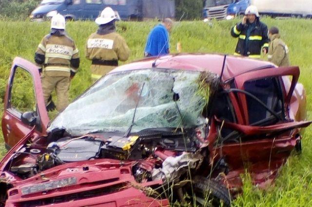 На месте ДТП работали сотрудники местной пожарной части.