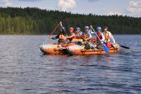 Многие школьники впервые пошли в поход. Здесь их ждут бесценный опыт преодоления трудностей и красота российской природы.