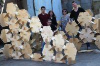 Необычная конструкция состоит из 250 элементов, соединенных в единый павильон по принципу пазла.