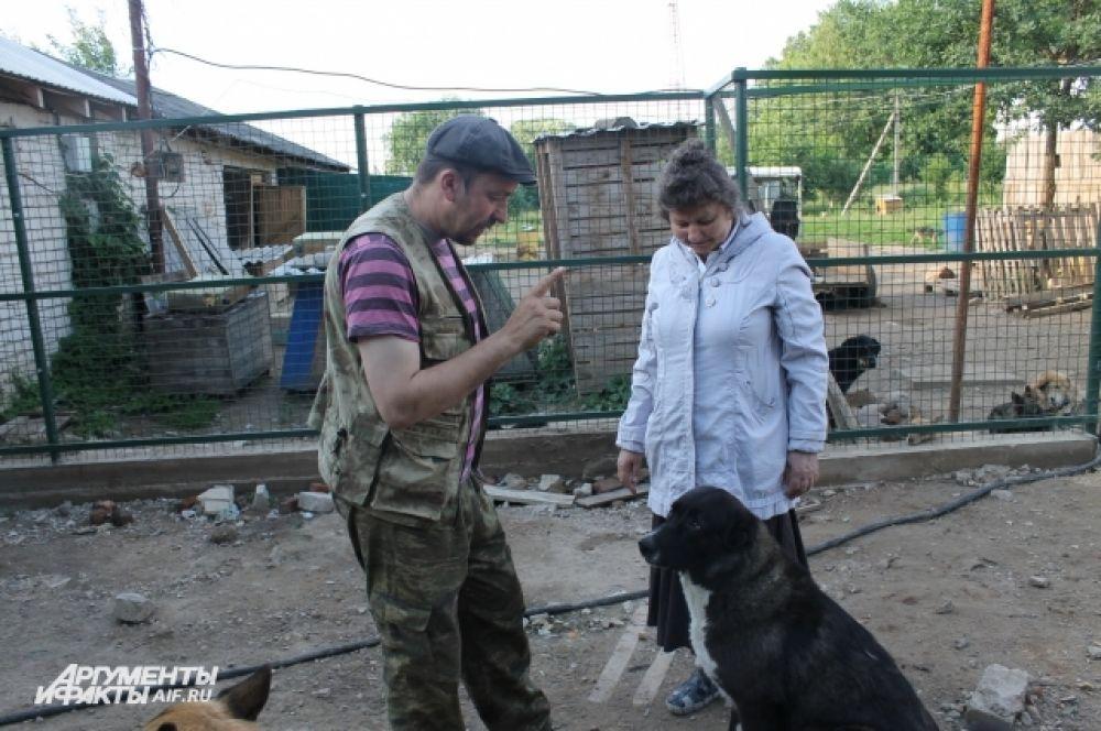 Иногда кажется, что Дмитрий может говорить на собачьем языке.