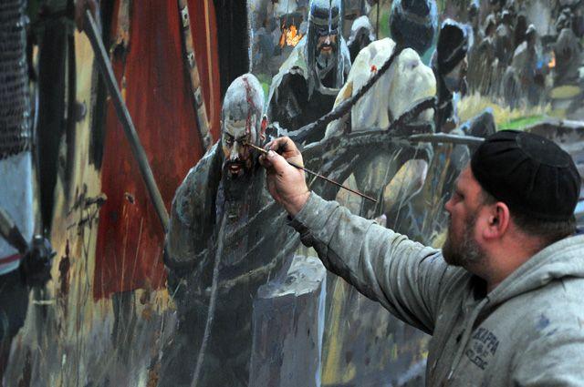 Заслуженный художник России Павел Рыженко работает над созданием диорамы «Стояние на Угре».