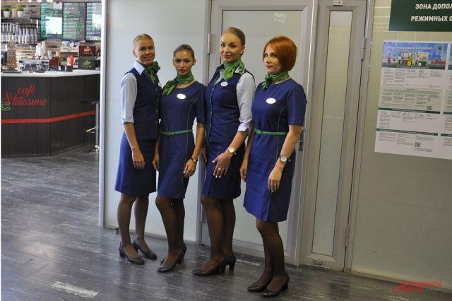 Пилота эти девушки заменить не смогут, но прочитать чек-лист самолёта - легко