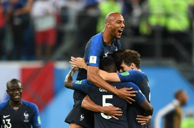 Франция отпраздновала выход сборной в финал ЧМ-2018. Фоторепортаж