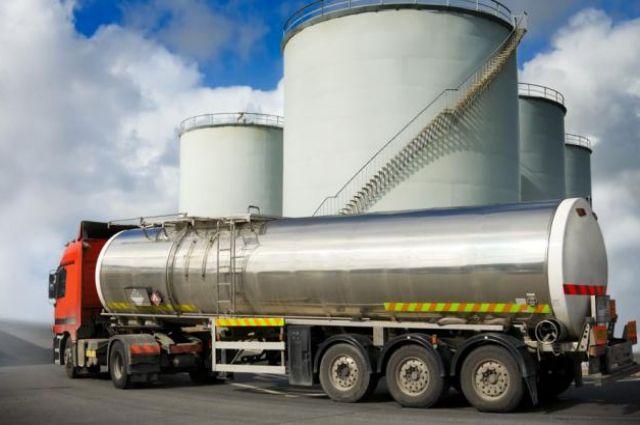 Транзит нефтепродуктов через Украину резко сократился