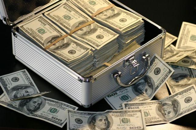Курс доллара снизился до отметки ниже 62 рублей
